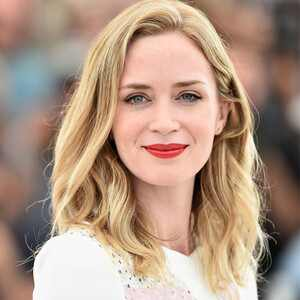 Emily Blunt: Playing Mary Poppins Is a Gift For My Daughters  Emily Blunt