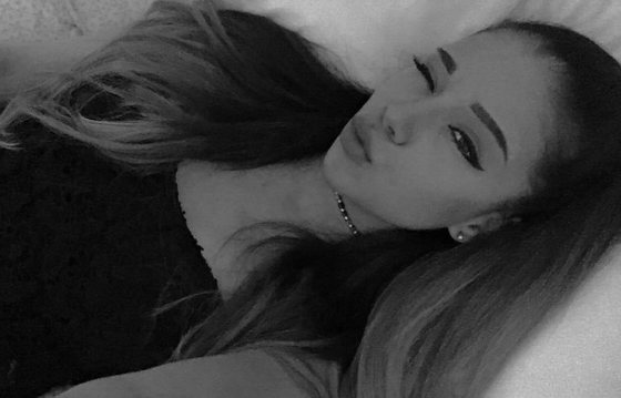 Garota faz sucesso na web por ser parecida com Ariana Grande