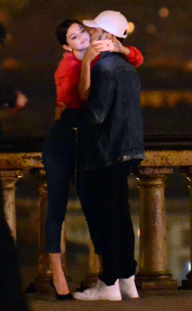 Selena Gomez and The Weeknd Cant Stop Kissing in Italy