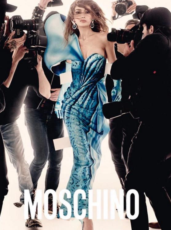 Gigi e Bella Hadid estrelam nova campanha da Moschino