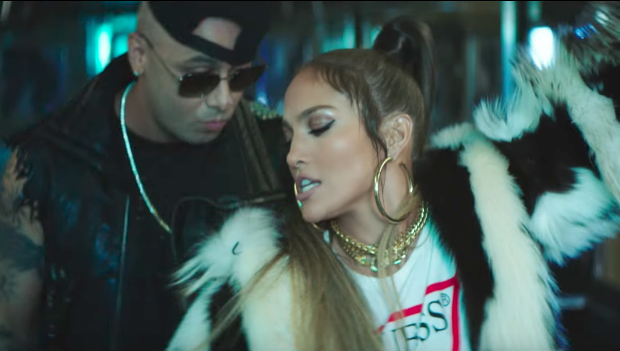 Jennifer López perrea demasiado en su nuevo video con Wisin ¡Mírala!