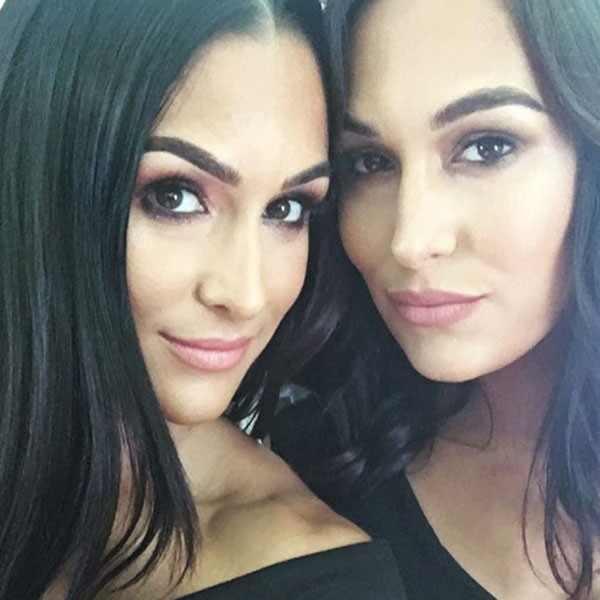 Nikki Bella, Brie Bella