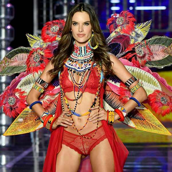 2017 Victoria's Secret Fashion Show, Alessandra Ambrosio