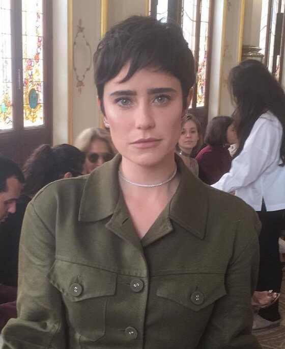 Fernanda Vasconcellos. Foto do site da E! Online que mostra Fernanda Vasconcellos adota novo corte de cabelo e fala sobre seu estilo