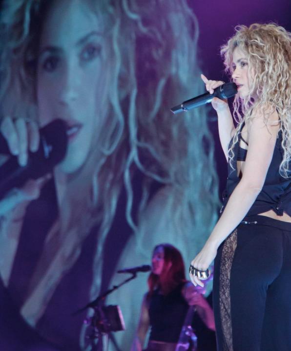 Shakira aplaza gira mundial por problemas de salud