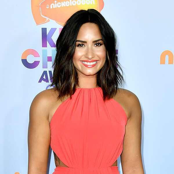 Demi Lovato, 2017 Kids Choice Awards, Arrivals