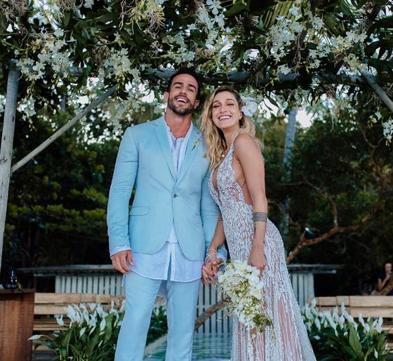 Gabriela Pugliesi se casa com Erasmo Viana em Trancoso
