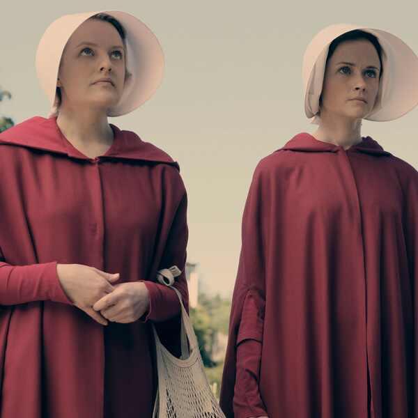 Elisabeth Moss, Alexis Bledel, The Handmaid's tale