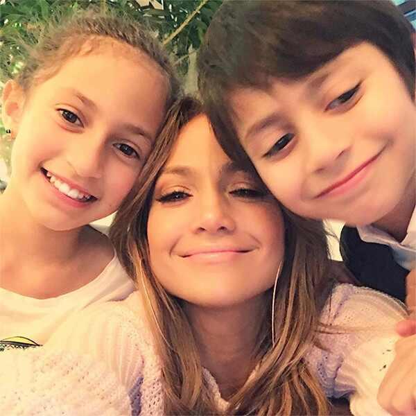 Jennifer Lopez, Twins, Max, Emme