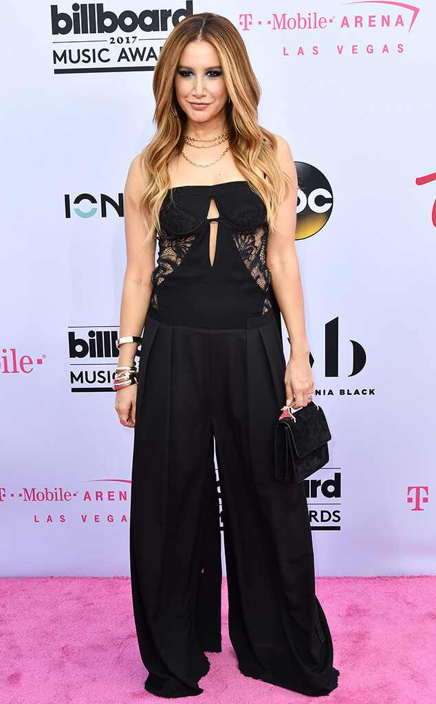 Ashley Tisdale, 2017 Billboard Music Awards, Arrivals