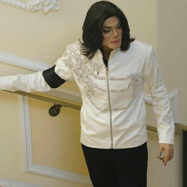 Michael Jackson, Searching For Neverland, Navi