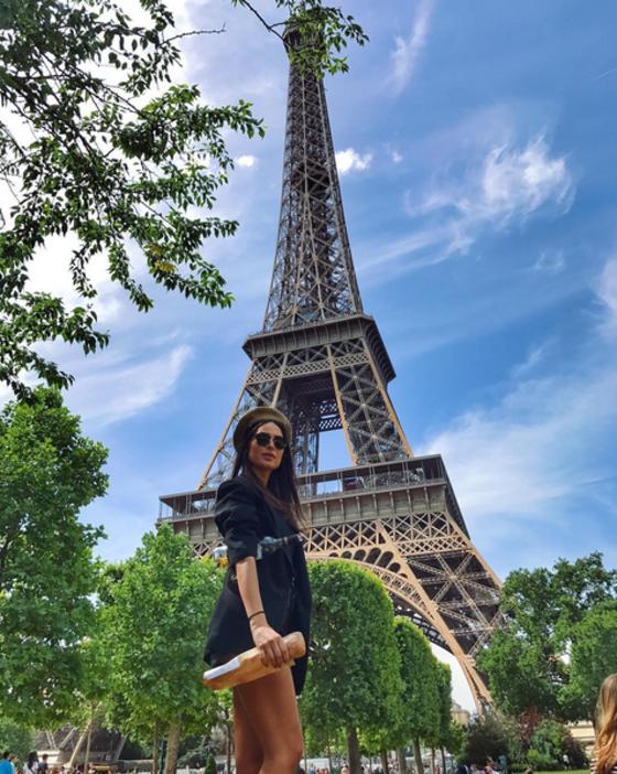 Thaila Ayala desabafa em férias e diz que as pessoas fedem na França