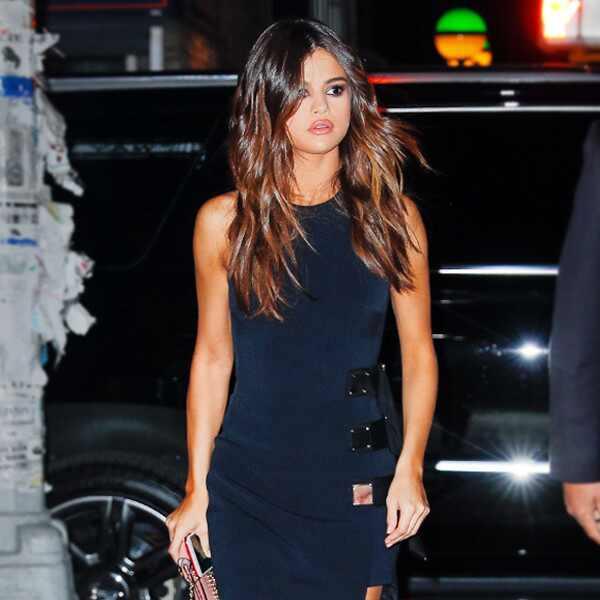 Selena Gomez foi traída por top demasiado revelador