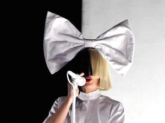 Sia hace un gran aporte para salvar al mundo del VIH