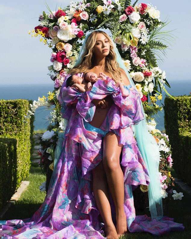 Beyoncé partilha a primeira fotografia com os gémeos