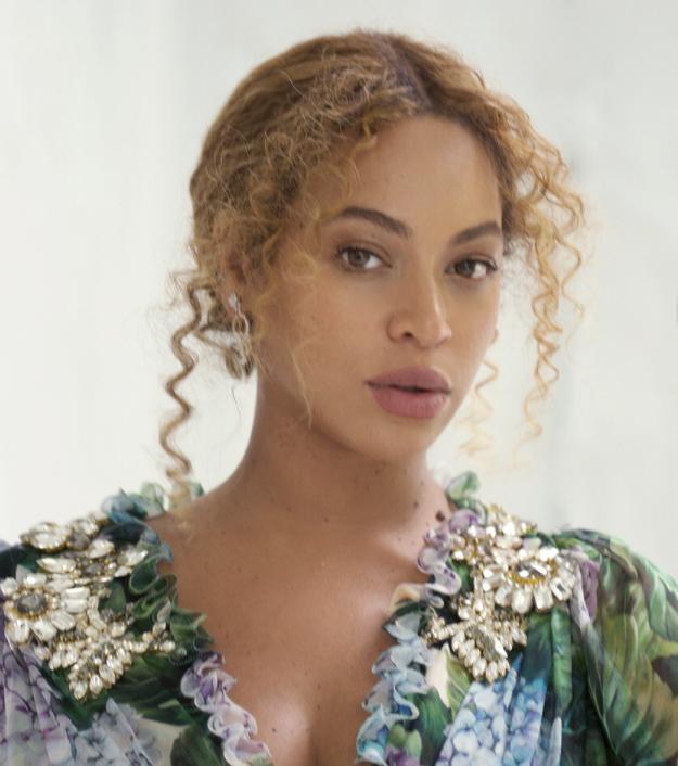 ¡Beyoncé publicó la primera foto de los mellizos Rumi y Sir Carter! ¡Míralos!