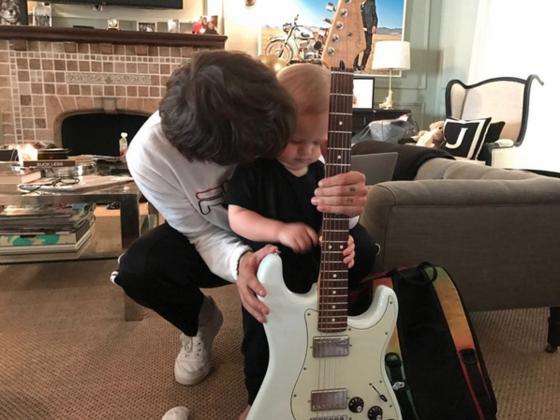 Resultado de imagem para Louis e Freddie guitarra