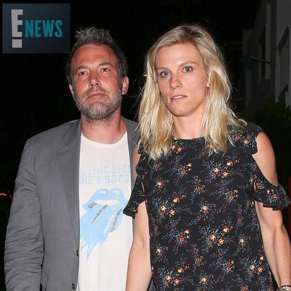 Ben Affleck e namorada são vistos em público em Los Angeles