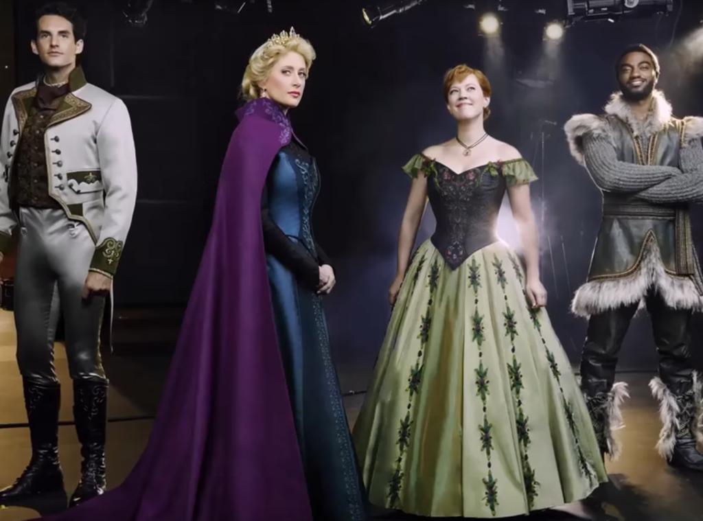 Atores do musical de Frozen, na Broadway, mostram figurinos pela primeira vez