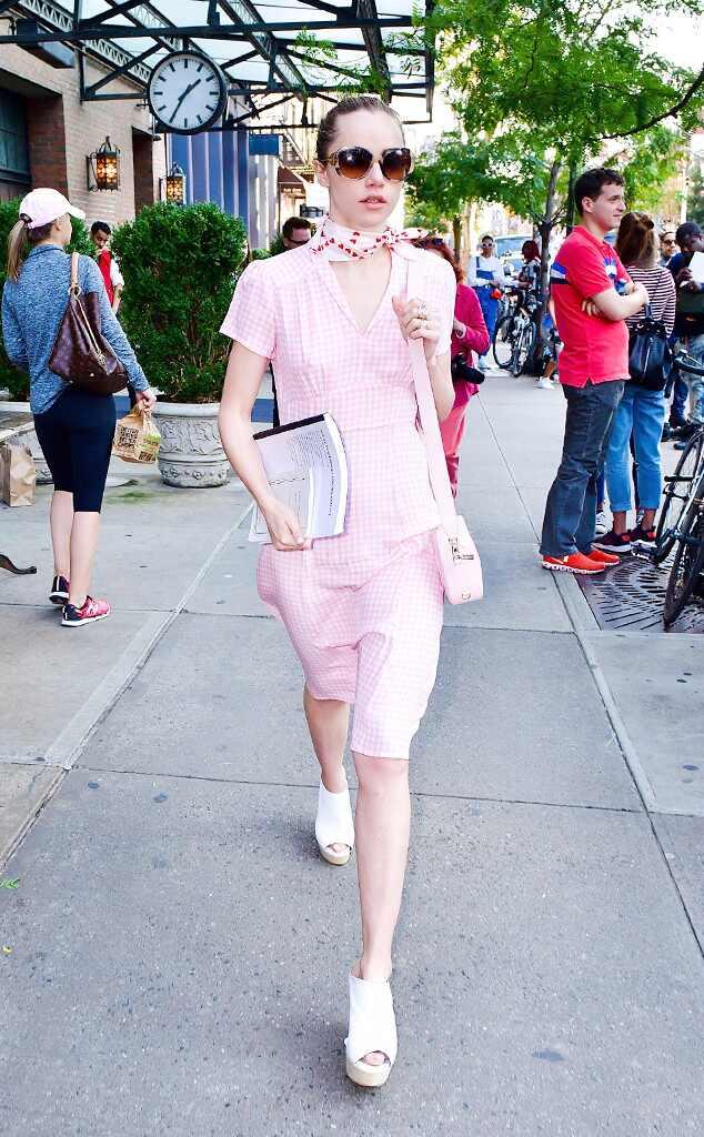 New York Fashion Week Spring 2018 Best Celeb Street Style Looks E News