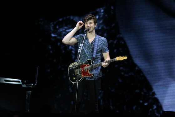 Shawn Mendes, Maroon 5