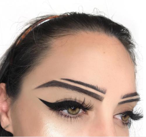 Tendência das sobrancelhas divididas chama atenção na web
