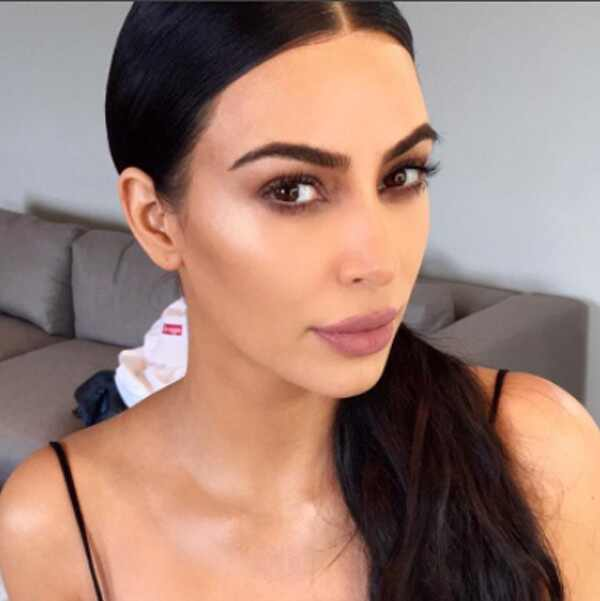 http://images.eonline.com/eol_images/Entire_Site/2017910/rs_600x601-171010174053-doing-it-wrong-kim-k-3.jpg
