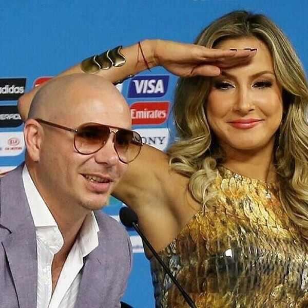 Claudia Leitte, Pitbull