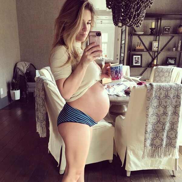 Jessie James Decker's Cutest Pregnancy Pics