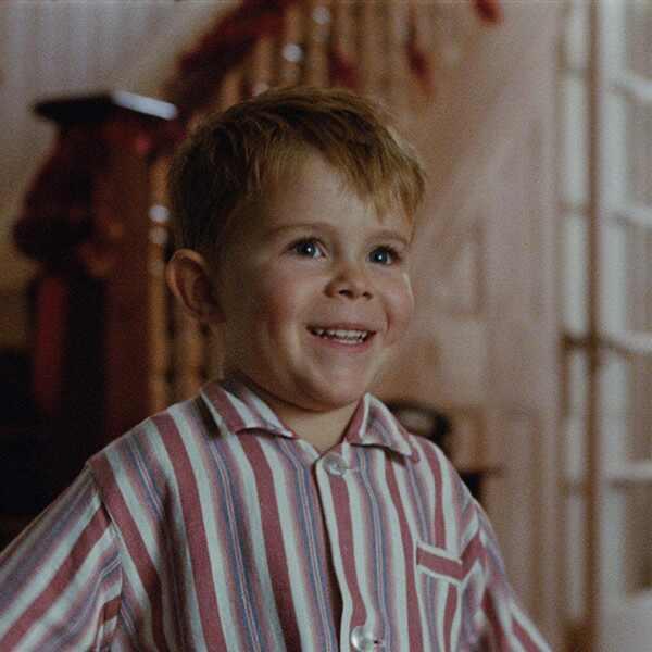Elton John, Christmas Commercial