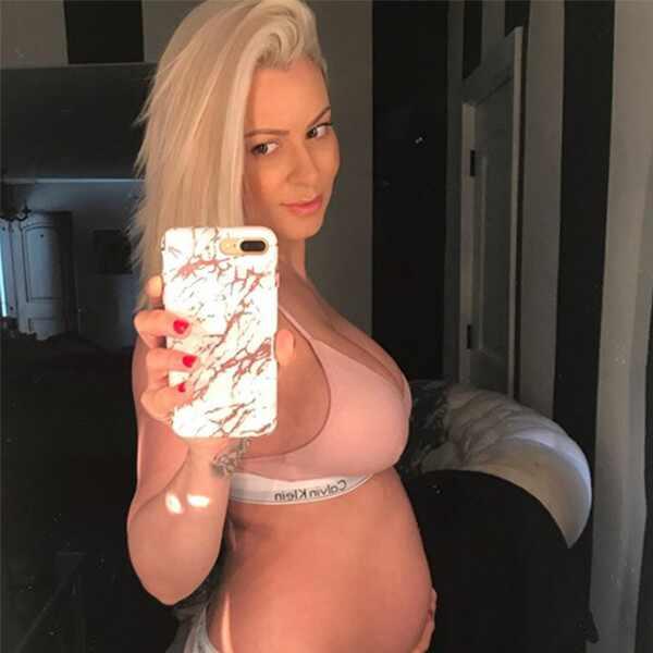 Maryse, Pregnant