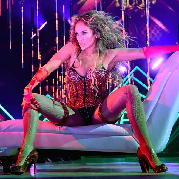 Jennifer Lopez, DIRECTV NOW Super Saturday Night Concert