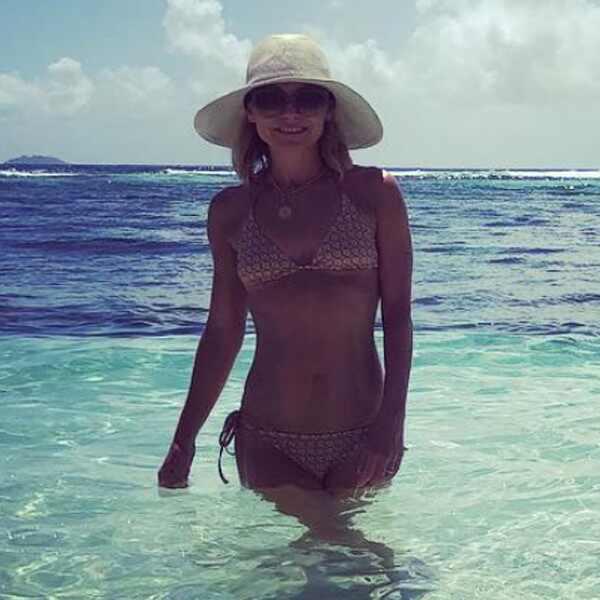 Kelly Ripa, Bikini