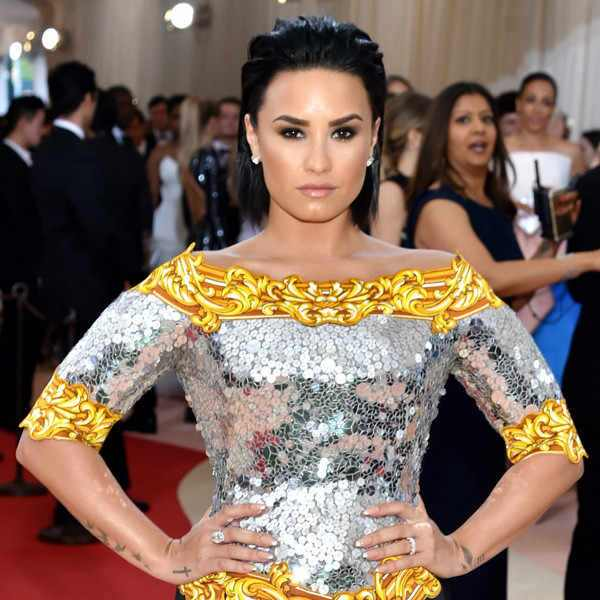 Demi Lovato comemora 6 anos longe das drogas e do álcool