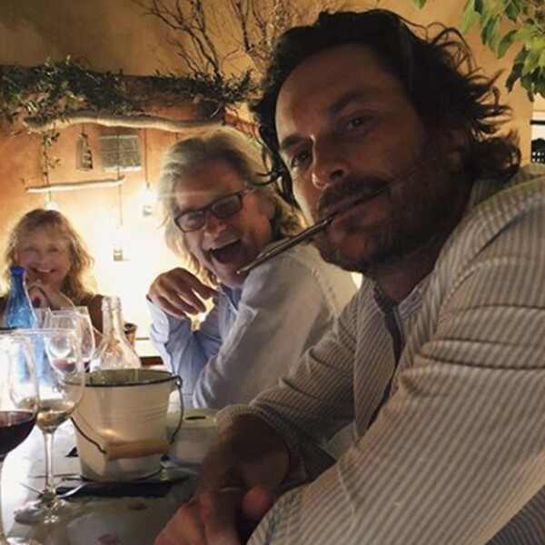 Oliver Hudson, Kurt Russell, Goldie Hawn