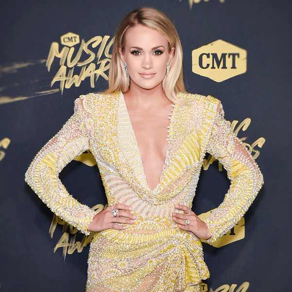 ESC: Carrie Underwood, CMT Awards