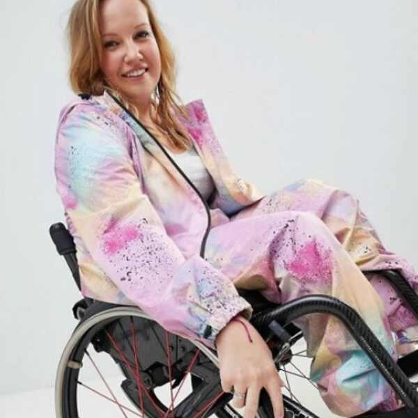Chloe Ball-Hopkins, roupas para cadeirantes, Asos