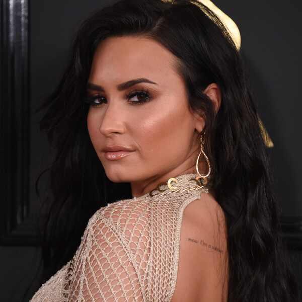 Demi Lovato, 2017 Grammys