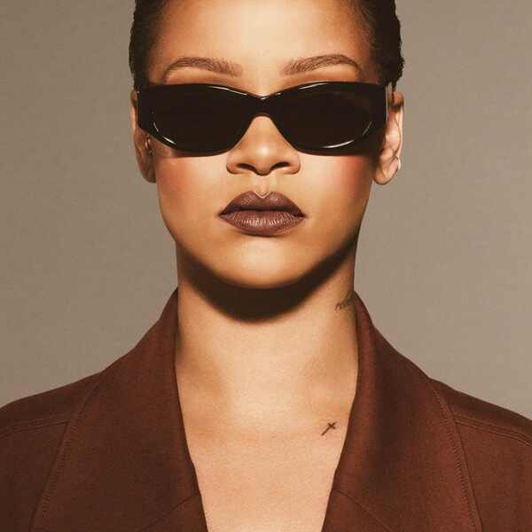 ESC: October Beauty, Rihanna