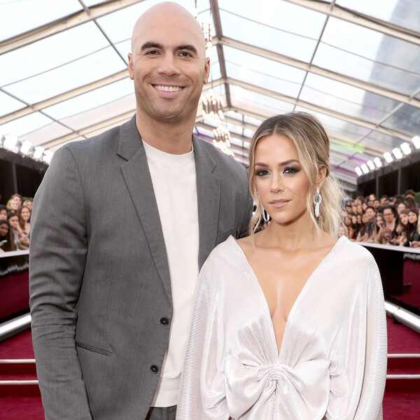 Mike Caussin, Jana Kramer, 2019 E! People's Choice Awards, Couples