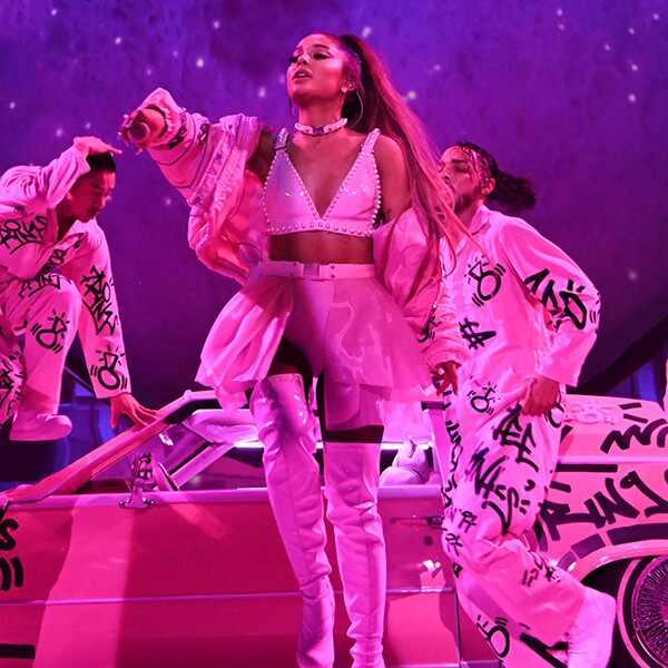 Ariana Grande, costumes