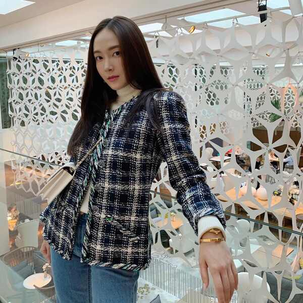 Jessica Jung, Blazers - thumbnail