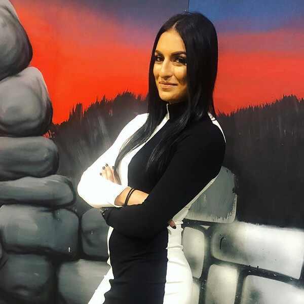 Sonya Deville, Total Divas, Meet New Diva
