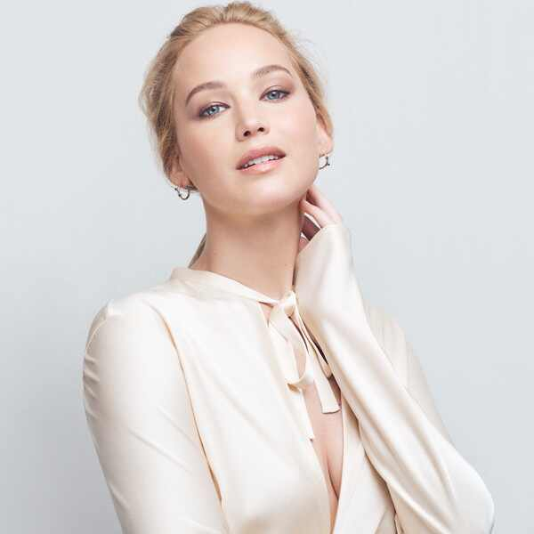 EComm: Jennifer Lawrence, Amazon Registry