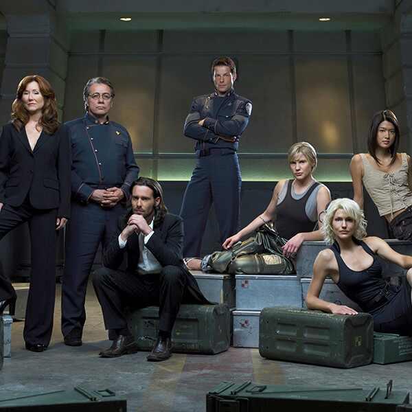 Battlestar Galactica - Mary McDonnell, Edward James Olmos, James Callis, Jamie Bamber, Katee Sackhoff, Tricia Helfer, Grace Park