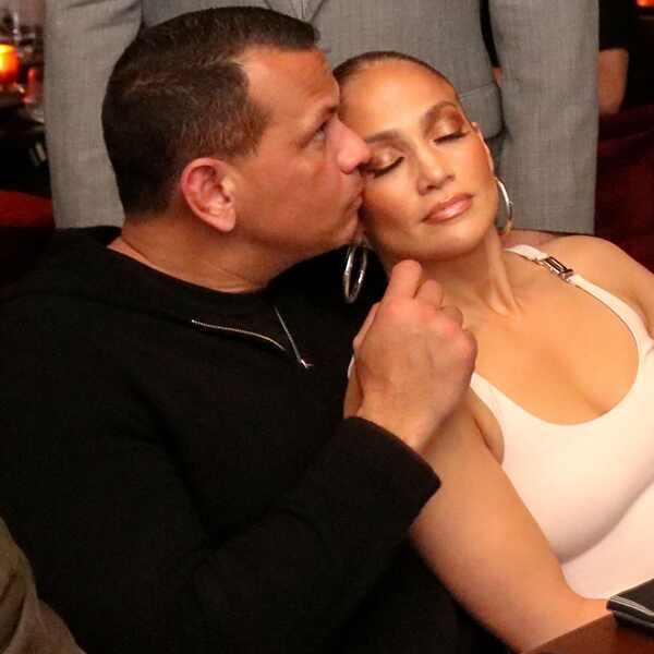 Jennifer Lopez, Alex Rodriguez, PDA