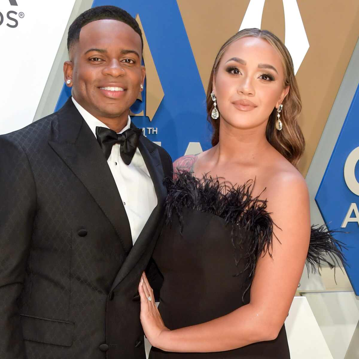Jimmie Allen, Alexis Gale, 2020 CMA Awards, red carpet fashions