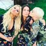 Jessica Simpson, Ashlee Simpson Ross & Mother Tina