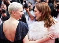 Michelle Williams & Julianne Moore