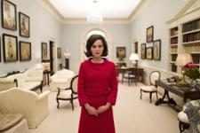 Natalie Portman como Jacqueline Kennedy